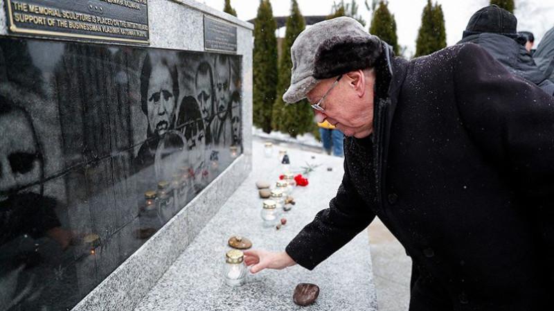 Памятник в Янтарном (бывш. Пальмникен) / Фото: «Новый Калининград» © Виталий Невар