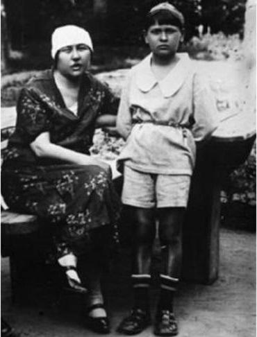 Екатерина Давидовна с Петей