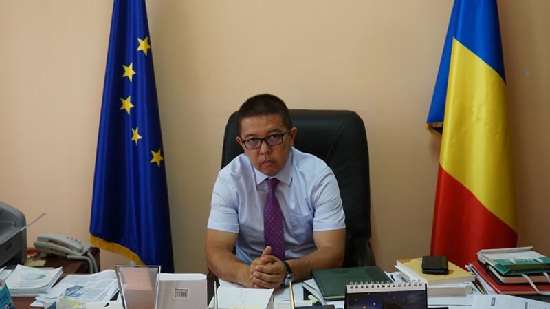 Мурат Юсуф, главный муфтий Румынии, в своем офисе в Констанце / Источник: Майкл Колборн / Аль Джазира