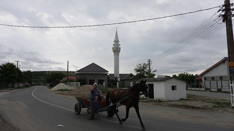 Мечеть в Добромире, турецкой деревне на юге Румынии, недалеко от границы с Болгарией / Источник: Майкл Колборн / Аль Джазира