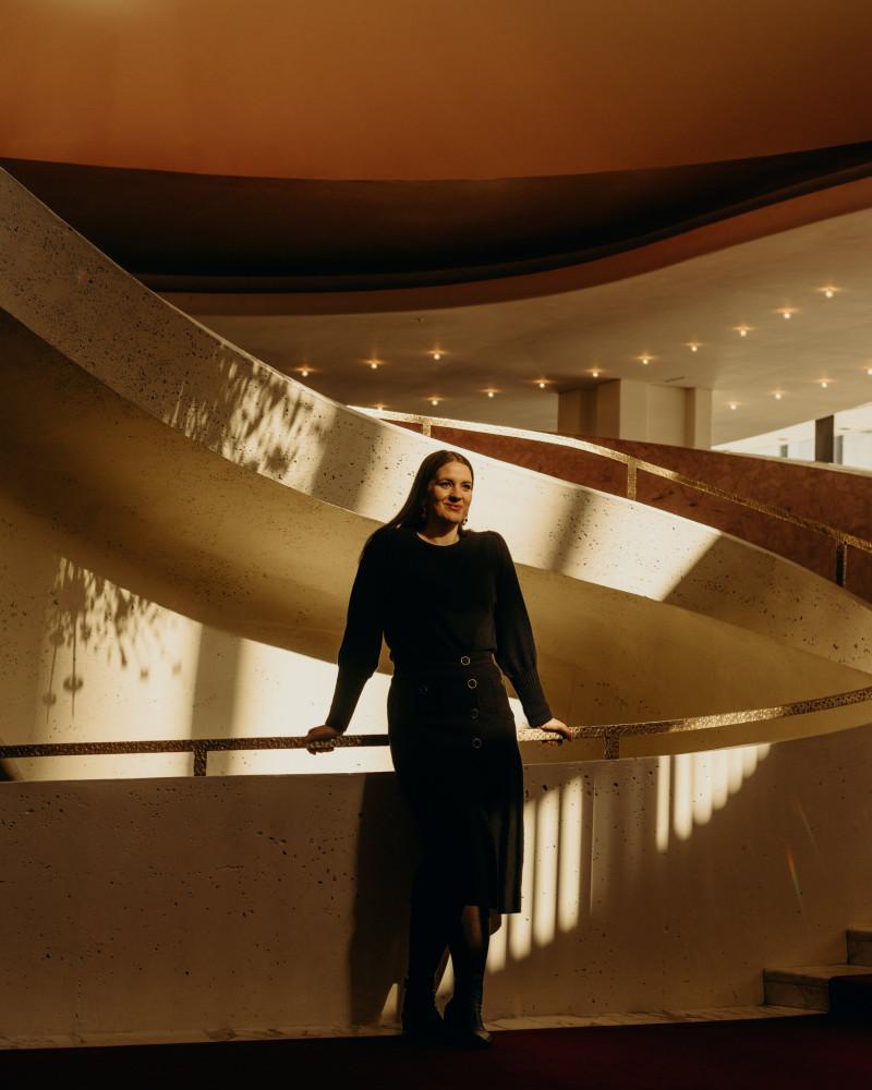 The young soprano Lise Davidsen will be a fixture at the Metropolitan Opera in the coming seasons.Credit...Kyle Johnson for The New York Times                                                                                                                                                              Молодая сопрано Лиз Дэвидсен будет выступать в Метрополитен-опера в ближайшие сезоны