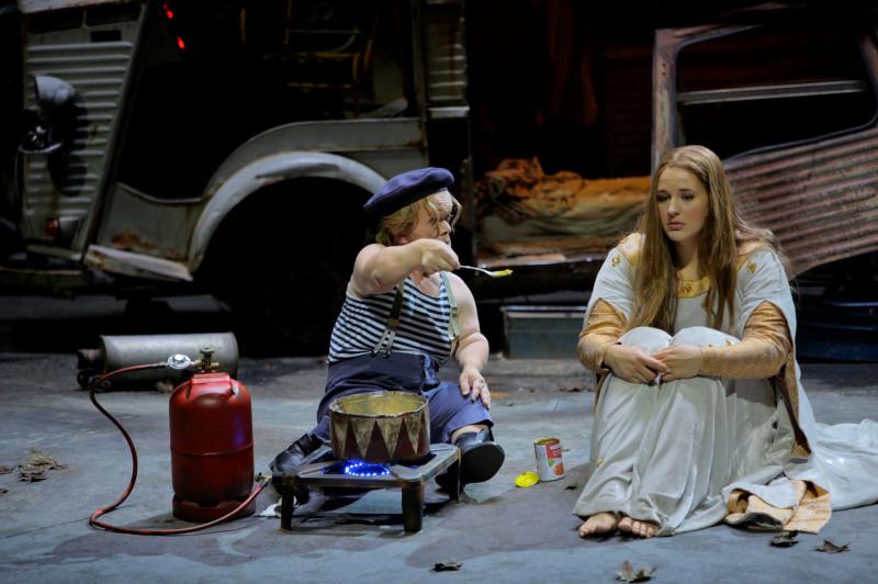 "Ms. Davidsen, right, with Manni Laudenbach in the Bayreuth Festival's production of ""Tannhäuser"" last summer.Credit...Enrico Nawrath                                                                                                                                            Дэвидсен (справа) вместе с Манни Лауденбахом на постановке «Тангейзера» на Байройтском фестивале прошлым летом."