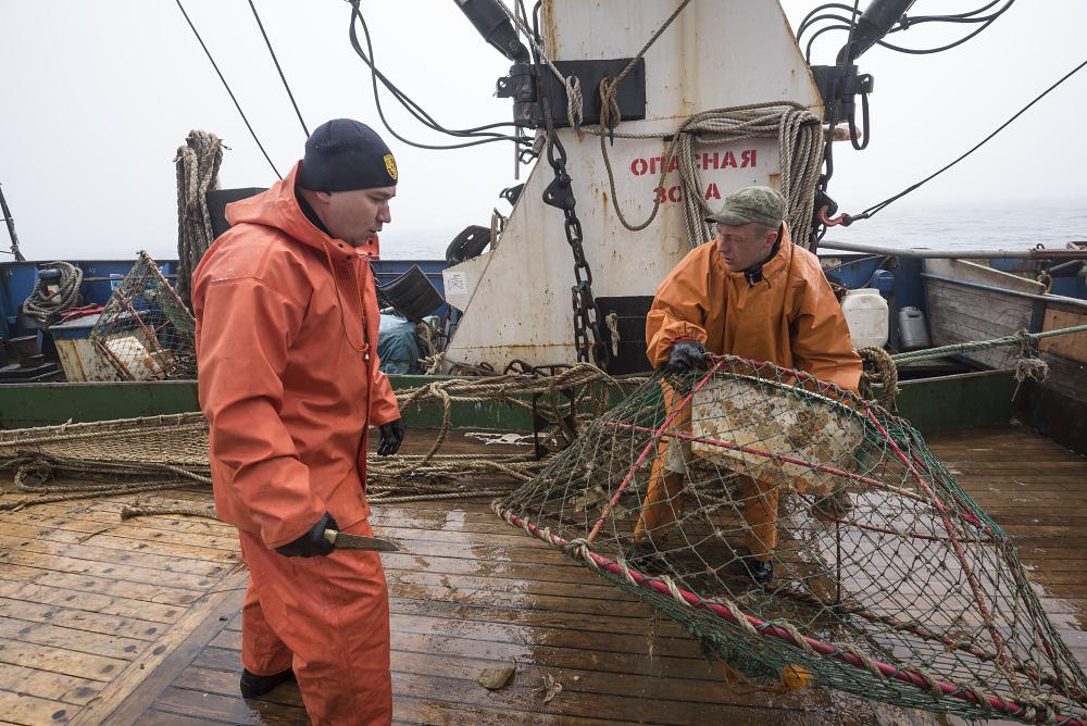 сеть на рыболовном сейнере