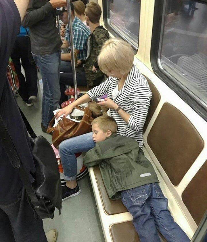 Яжемать в метро: незамутненное хамство или право имеет?