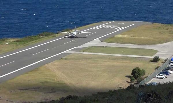 danger-airport-7564303-33