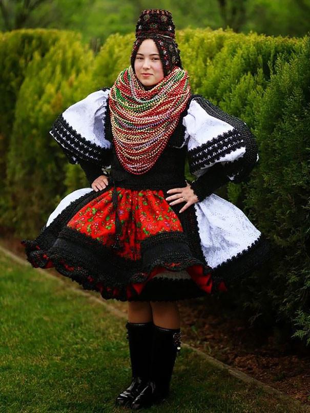 Как-выглядят-традиционные-свадебные-наряды-разных-народов-мира-9