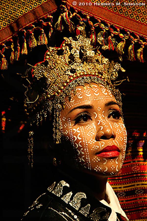 Как-выглядят-традиционные-свадебные-наряды-разных-народов-мира-12
