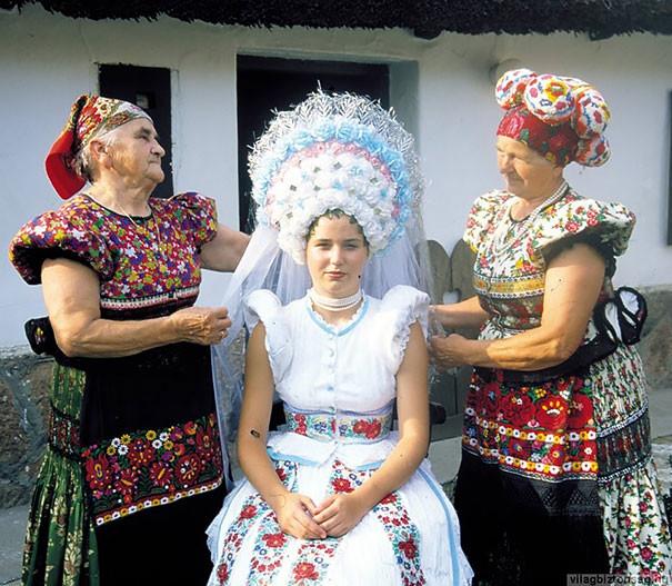 Как-выглядят-традиционные-свадебные-наряды-разных-народов-мира-13