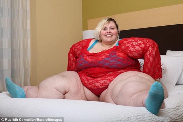 220-килограммовая-американка-зарабатывает-более-2000-долларов-в-месяц-7
