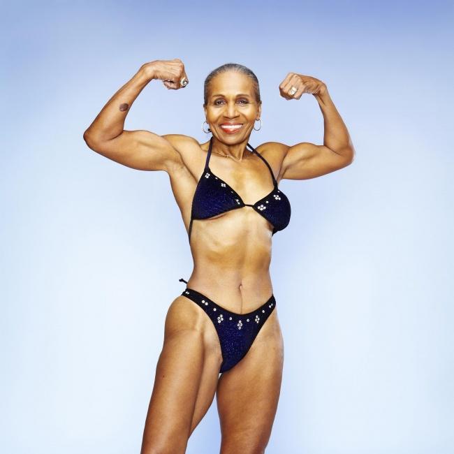 Самой-мускулистой-бабушке-в-мире-исполнилось-80-лет-3