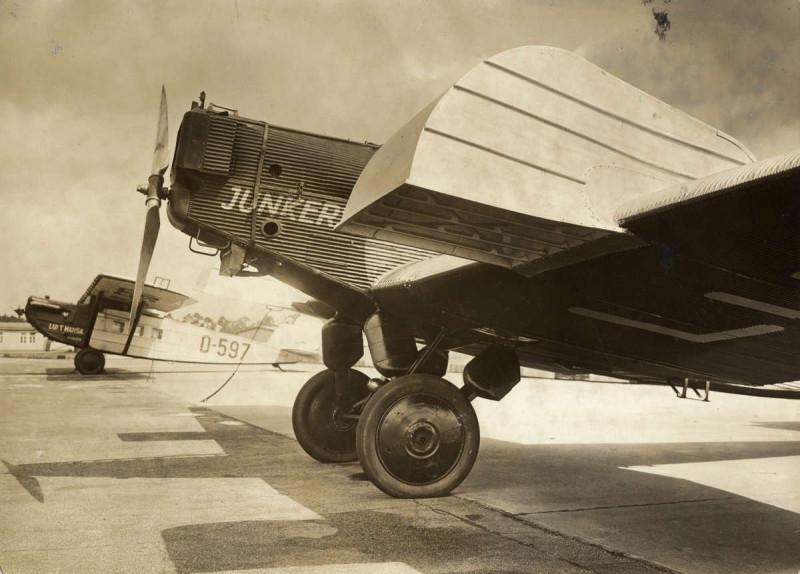 W 33 (1932)