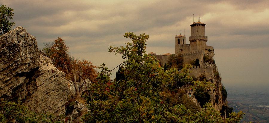 Сан-Марино, замок на скале