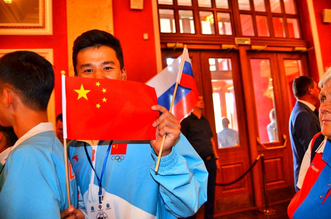 Зажигаем на российско-китайских играх!