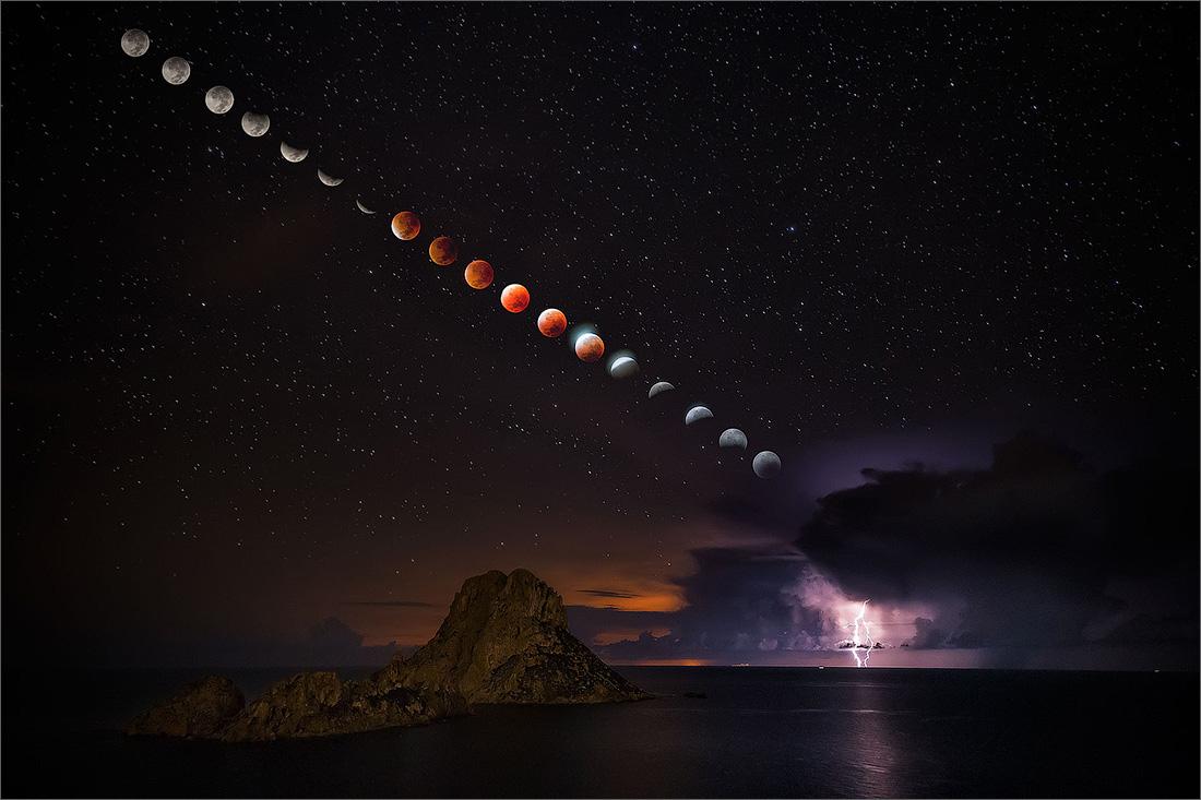 LightningEclipse_Hervas_1900 copy.jpg