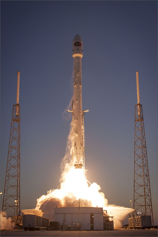 Falcon 9 DSCOVR Launch-2.jpg