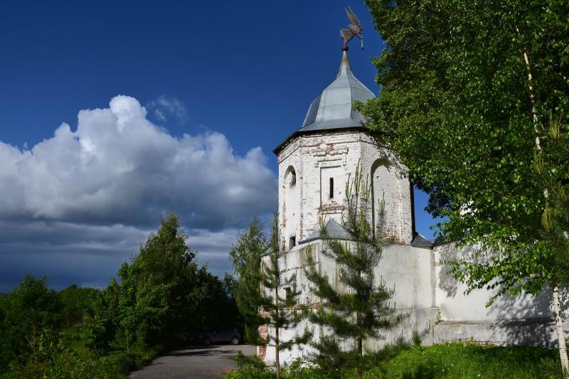 Северо-восточная башня — единственная уцелевшая из четырёх угловых башен монастырской ограды, 1766 г.