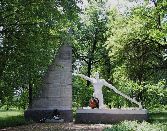 http://ic.pics.livejournal.com/denisdz/37815166/103491/103491_original.jpg