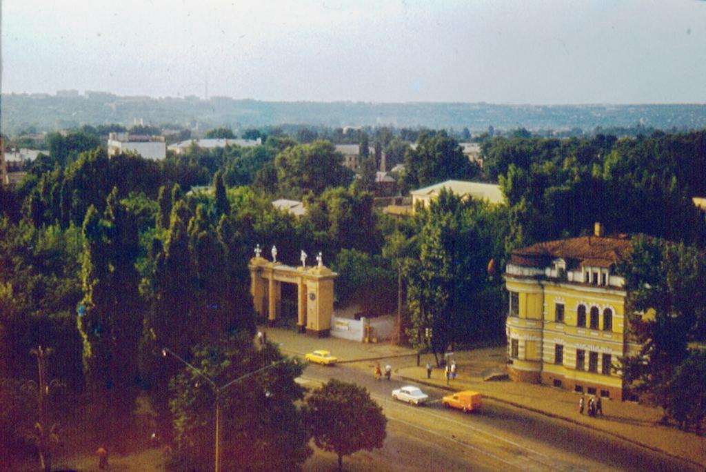Kharkov_1981_Serp_i_Molot_stadium
