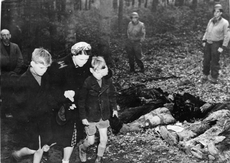 57 советских граждан из числа «остарбайтеров» были убиты эсэсовцами, а их тела спрятаны в братской могиле в районе населенного пункта Зуттроп