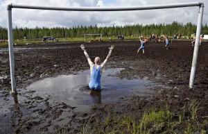 футбол в грязи