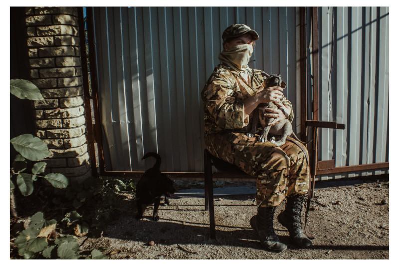 Медик одного из подразделений ДНР в посёлке Коминтерново. 2017