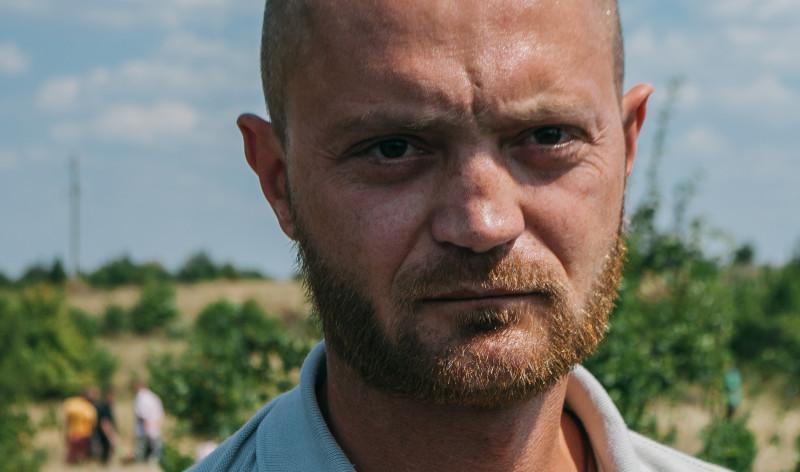 Александр Коц на месте гибели Андрея Стенина в первую годовщину трагедии. 6 августа 2015