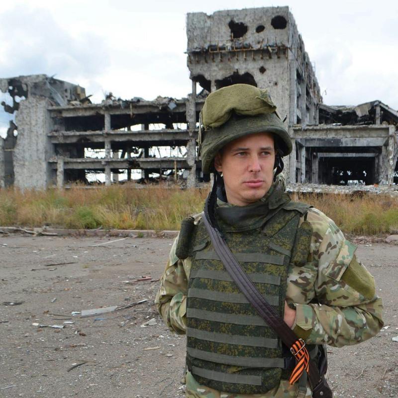 Итальянский журналист Витторио-Никола Ранжелони в Донецком аэропорту