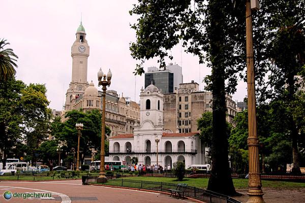 Буэнос-Айрес. Майская площадь. Розовая президентская резиденция