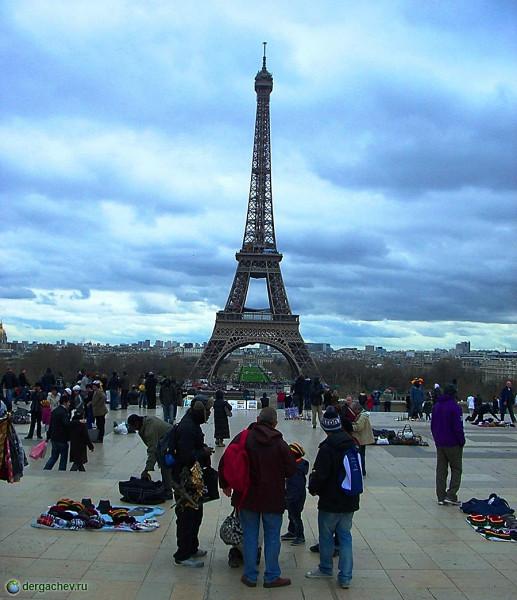 Париж. Эйфелева башня. Символ Франции.