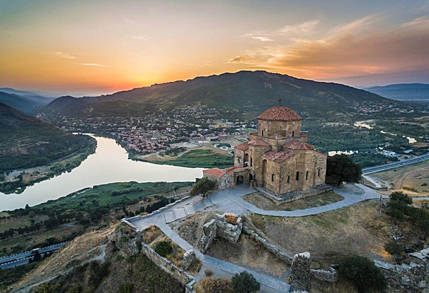 картинка фотография курорта Мцхета в Грузии