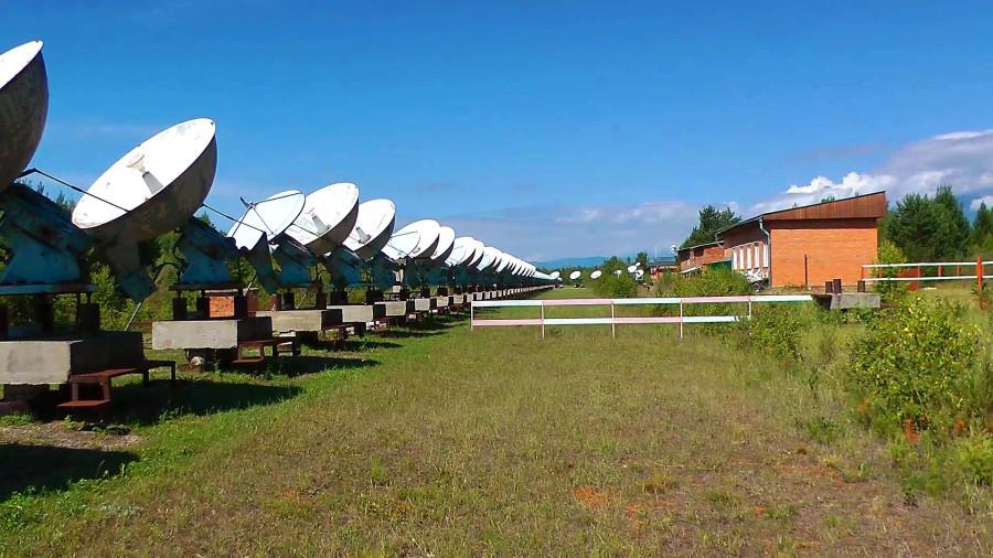 Фото 281_антенны с забором.jpg