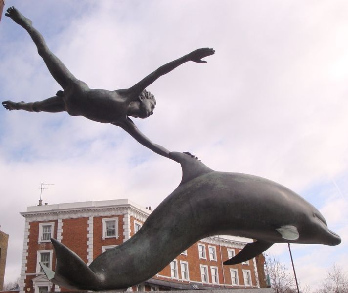 Sculpture_Of_Boy_With_A_Dolphin-Chelsea