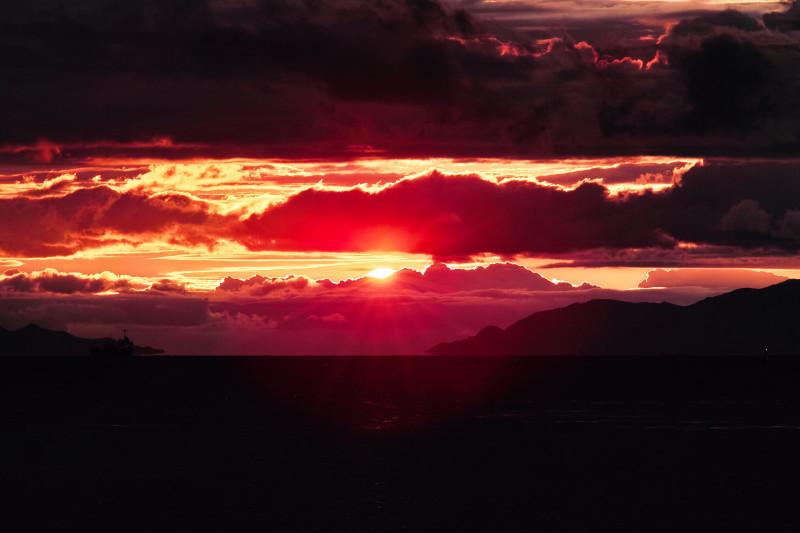 oblaka-zakat-tuchi-124254-4704x3136