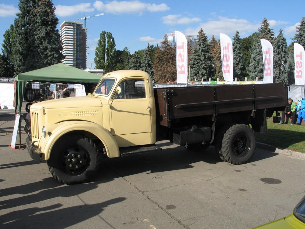 Интересные грузовики Олдкарленд осень 2018
