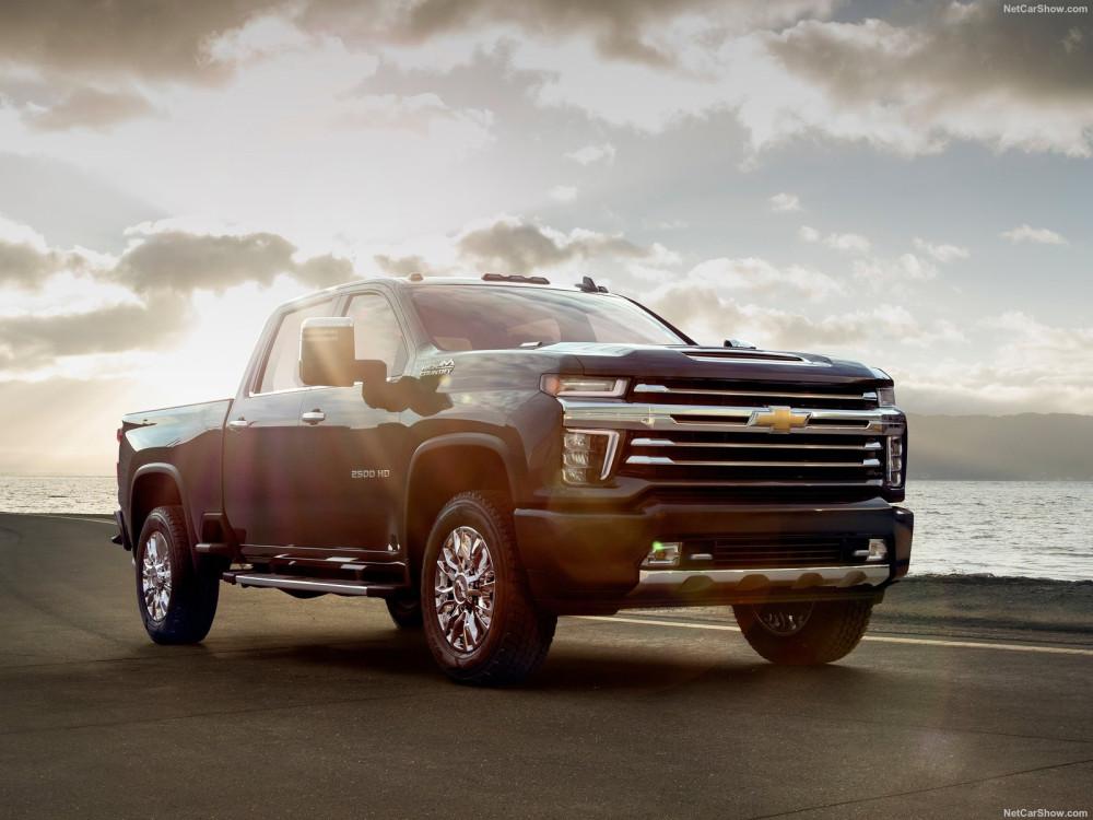 Chevrolet-Silverado_HD-2020-1600-02
