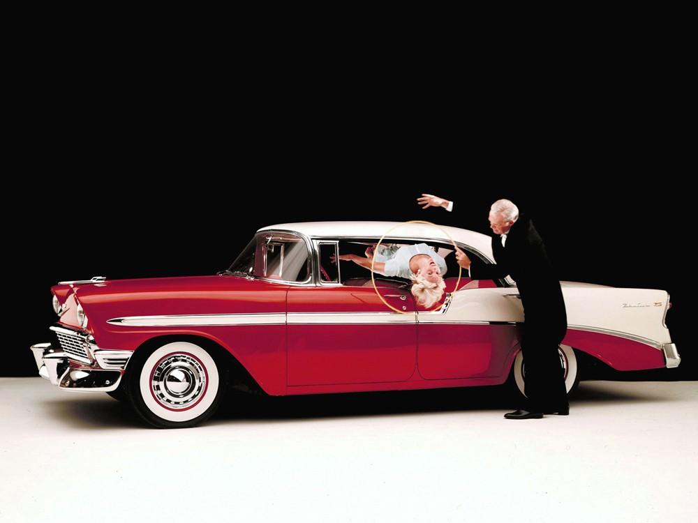 1956_Chevrolet_Bel_Air_Sport_Sedan_retro__g_1600x1200