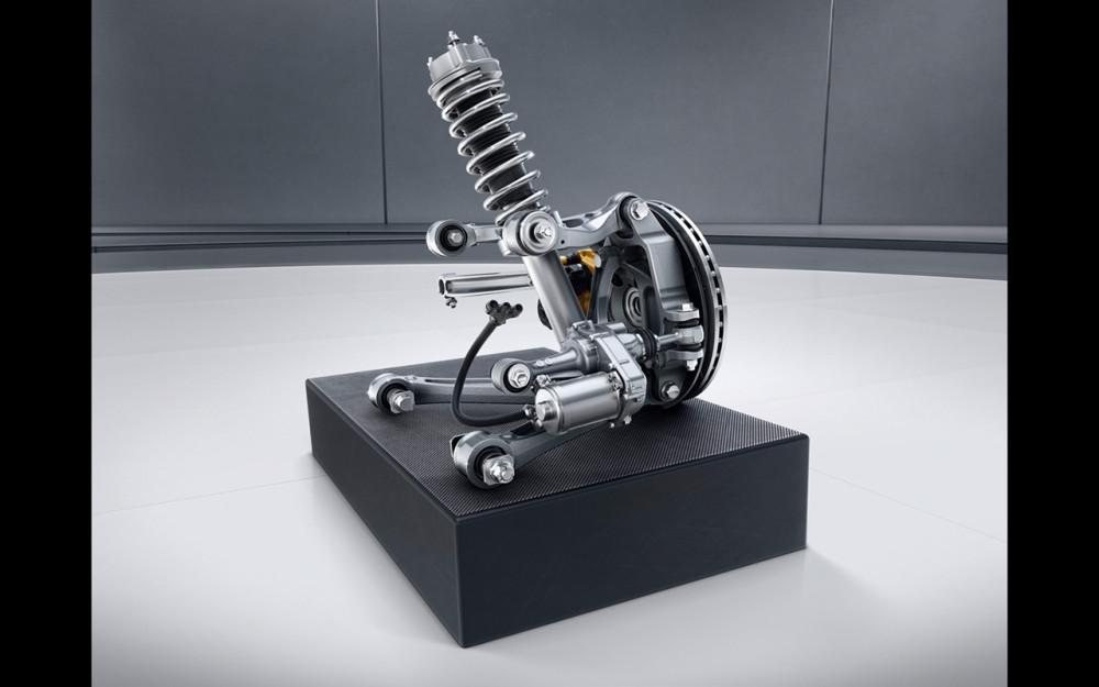 2017-Mercedes-AMG-GT-R-Parts-2-1280x800