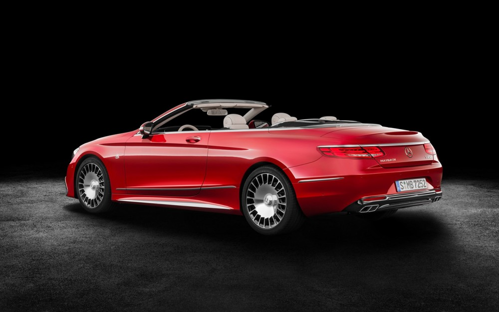 2017-Mercedes-Maybach-S-650-Cabriolet-Studio-1-1440x900
