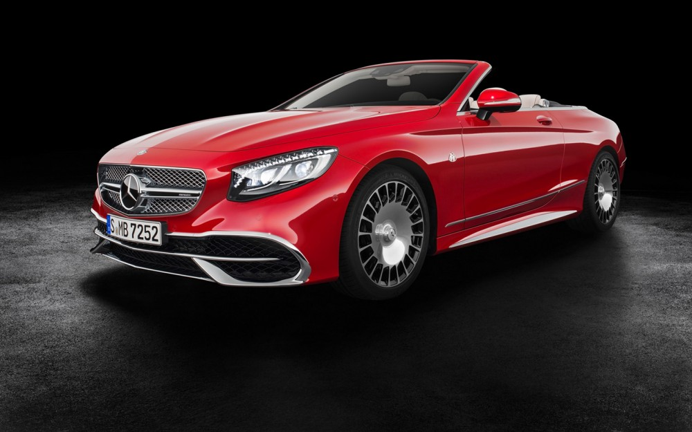 2017-Mercedes-Maybach-S-650-Cabriolet-Studio-9-1440x900