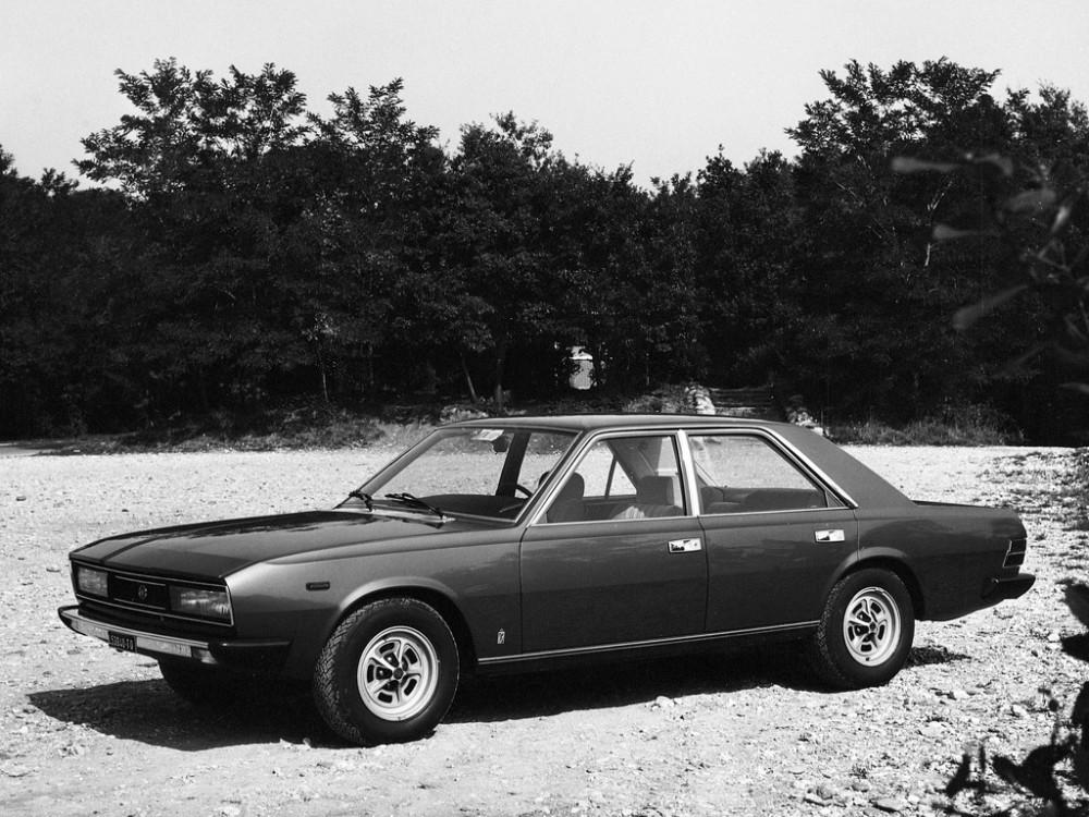 Fiat-130-sedan-automatic-Opera-3200-02
