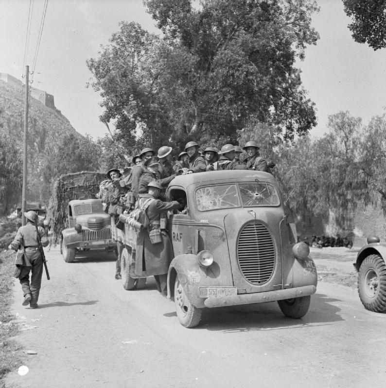 The_British_Army_in_Greece_1941_E2733