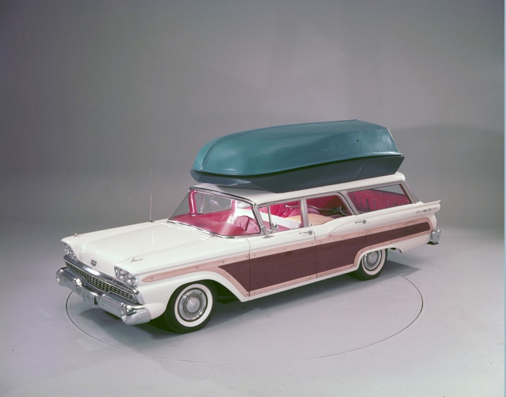 1959-Ford-Country-Squire-with-push-button-station-wagon-living-equipment-neg-C991-1(1)