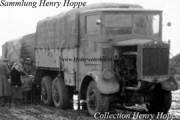 Tatra_T_25_Zugmaschine-_Hoppe