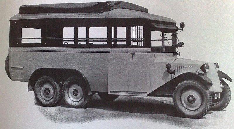 800px-Tatra_T26_bus