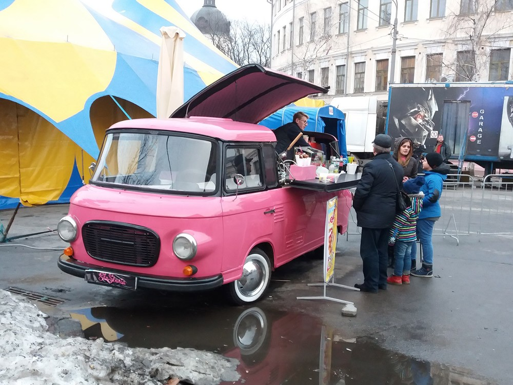 Кофейник на колесах