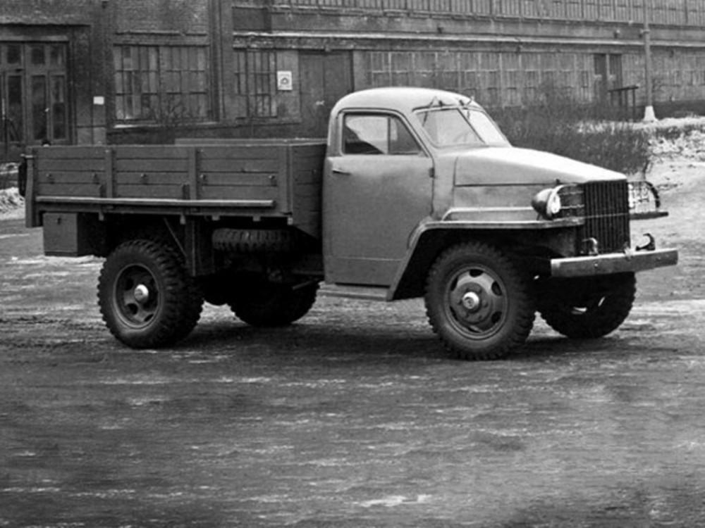 1360242816_truck-auto.info_gaz-51_3-1024x768