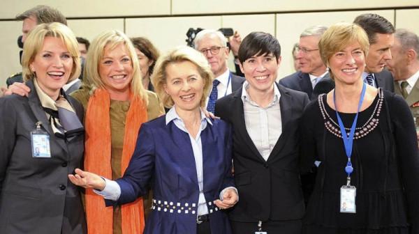 министр обороны Албании Нидерландов Германии Норвегии  Италии