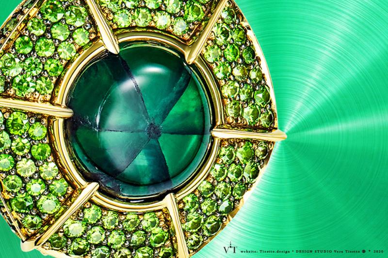 Изумруд трапиче в кольце ENIGMA, дизайн Веры Тиестто