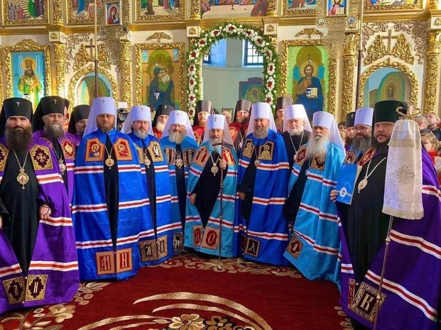 Стеснительные синодалы и вже-епископ Калиник