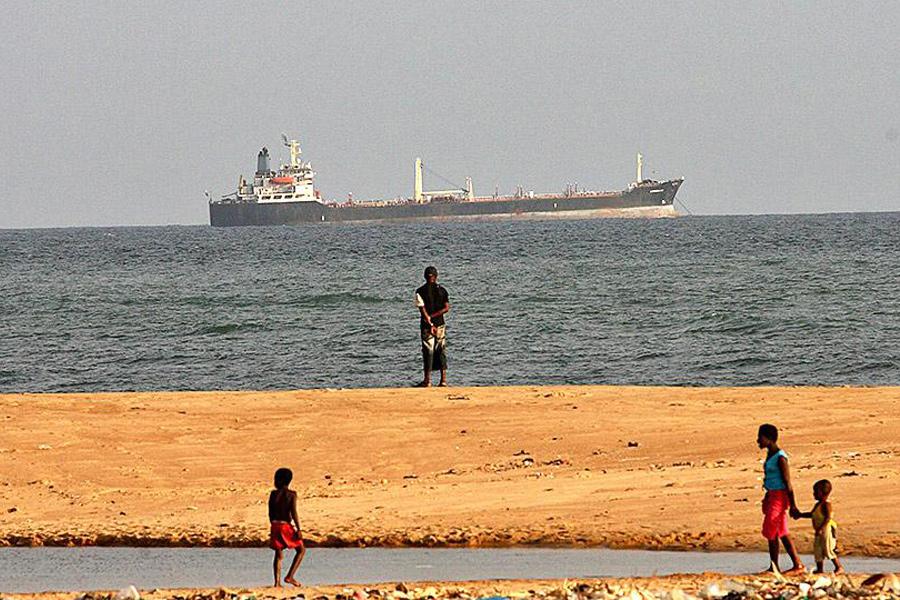 Берег залива Бенин. 2007 г.